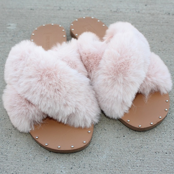 Forever 2 Faux Fur Crisscross Slides